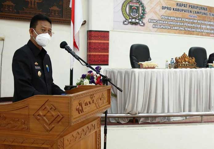 Pjs Bupati Lamteng Hadiri Rapat Paripurna Penyampaian RAPBD 2021