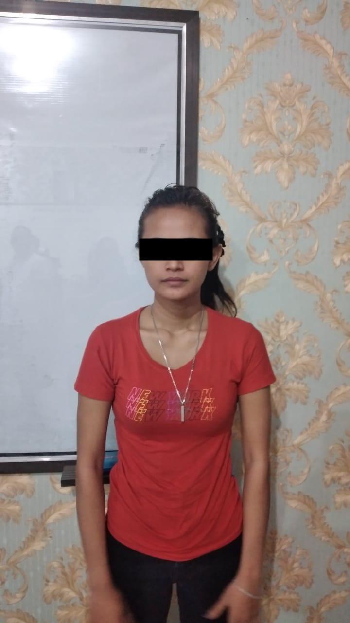 Gadis 23 Tahun Berhasil Ditangkap Sedang Mengkonsumsi Sabu-Sabu